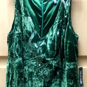 ModCloth— gorgeous emerald green maxi sleeveless